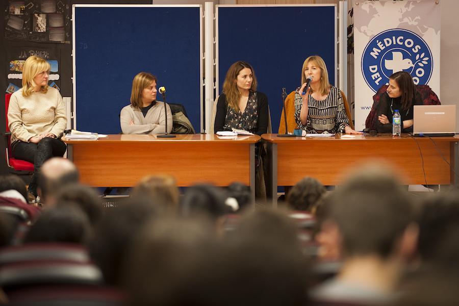 Marisa Ponga Concejala Ayuntamiento de Oviedo, Gimena Llamedo, Directora de la AACD...